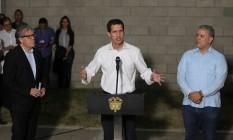 Líder opositor Juan Guaidó condena violência em operação de ajuda ao lado do líder colombiano, Iván Duque, e do secretário-geral da OEA, Luis Almagro Foto: LUISA GONZALEZ 23-02-2019 / REUTERS