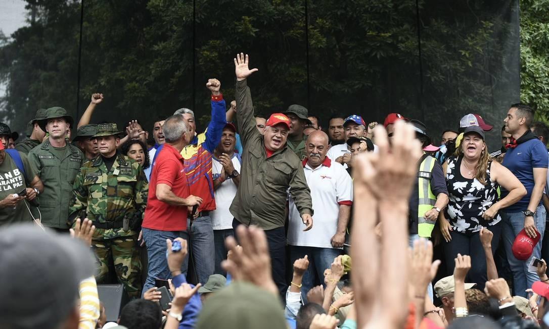 Líder da Assembleia Nacional Constituinte, Diosdado Cabello, após discursar em favor de Maduro na fronteira com a Colômbia; oficialismo chama tentativas de levar ajuda à Venezuela de intervencionismo externo liderado pelos EUA Foto: FEDERICO PARRA / AFP