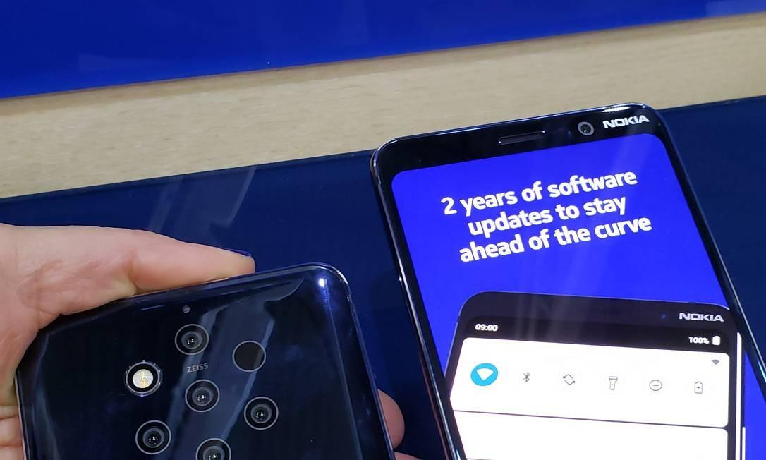 A Nokia apresentou celular com cinco câmeras na parte traseira. Tem sensor em toda a tela. A câmera frontal tem resolução de 20 mega Foto: Bruno Rosa