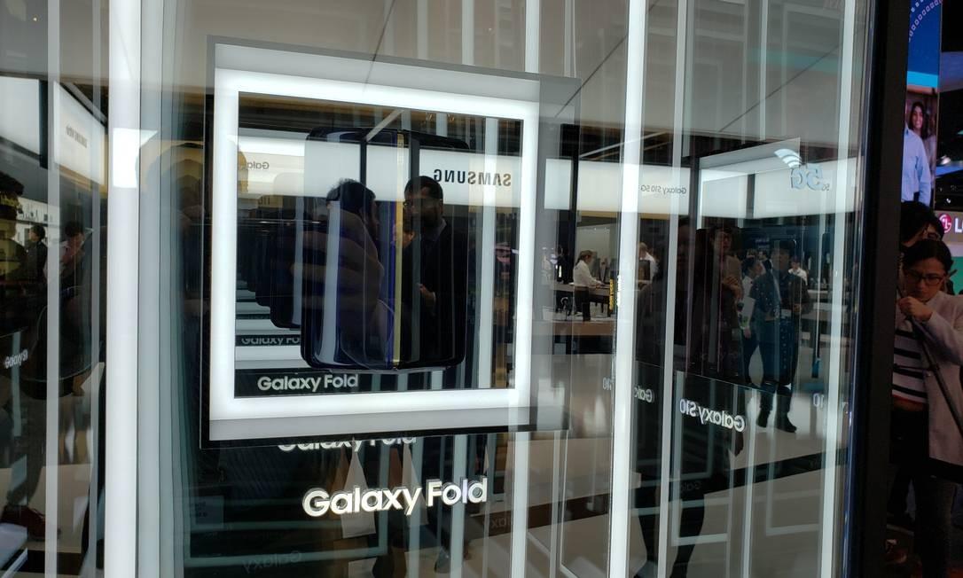 O Galaxy Fold, o dobrável da Samsung Foto: Bruno Rosa
