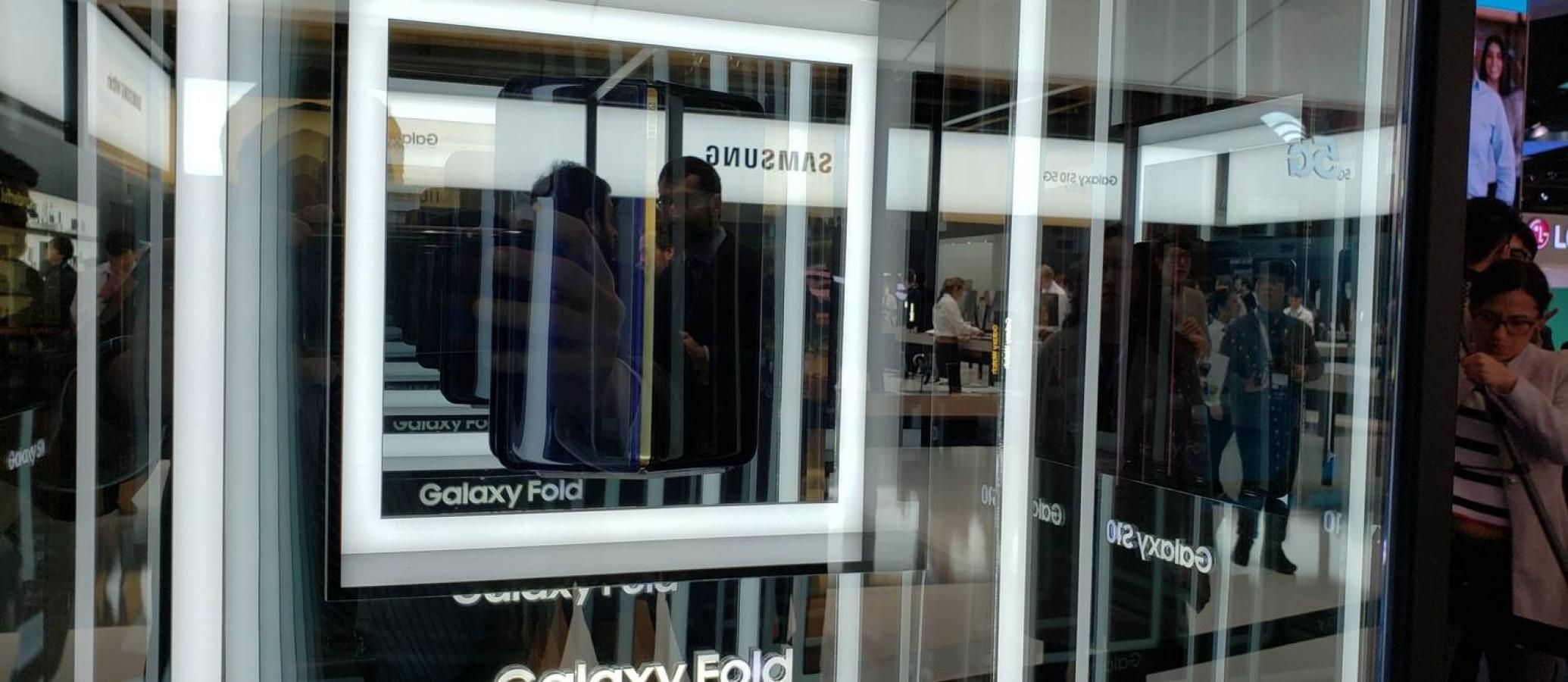 Nokia lança celular com cinco câmeras traseiras