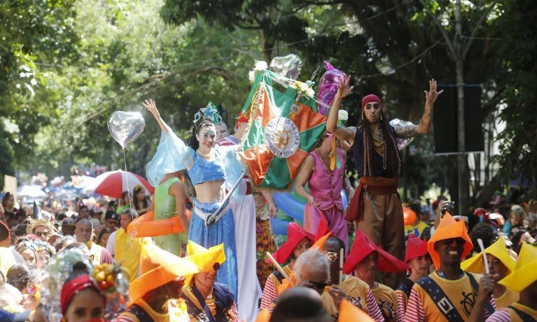 Desfile do bloco Gigantes da Lira, em Laranjeiras Foto: Marcelo Carnaval / Agência O Globo
