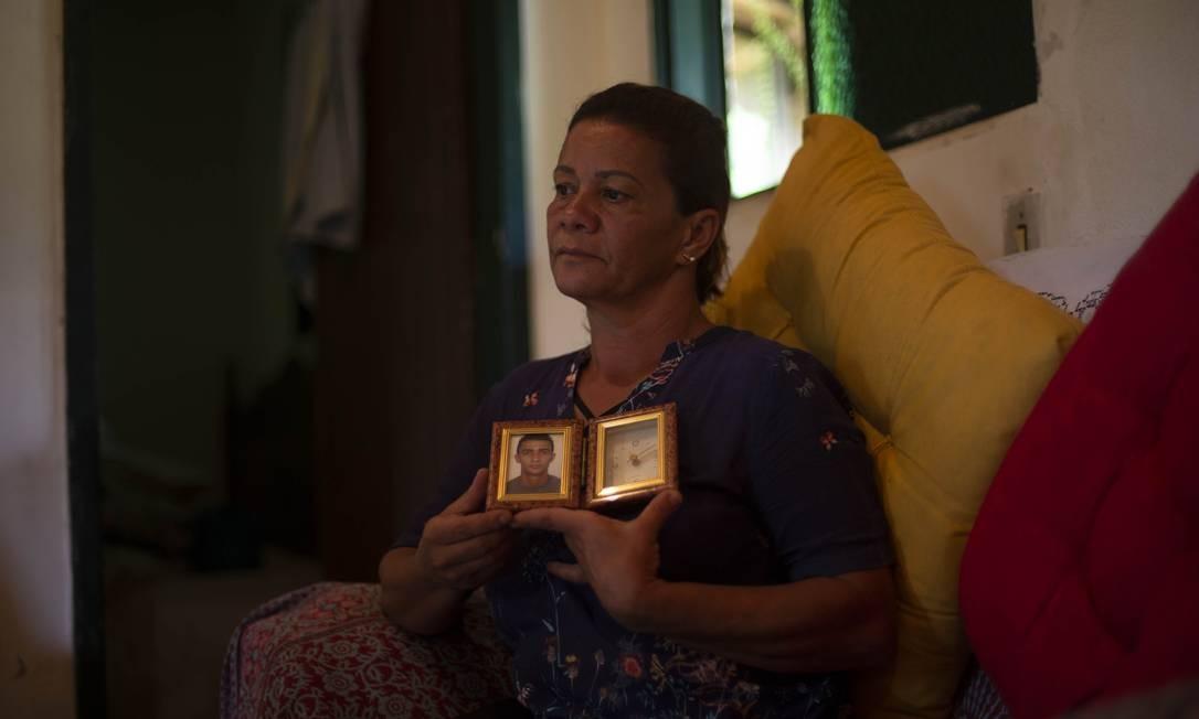 Famílias ainda vivem o luto das vítimas de Brumadinho. Rosângela Maria Matos perdeu o filho Duane Moreira, de 33 anos Foto: Alexandre Cassiano / Agência O Globo