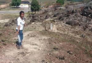 Carla Navarro busca uma passagem alternativa para entrar em Roraima depois que a Venezuela fechou a fronteira: 12 horas sem água Foto: Patrik Camporez