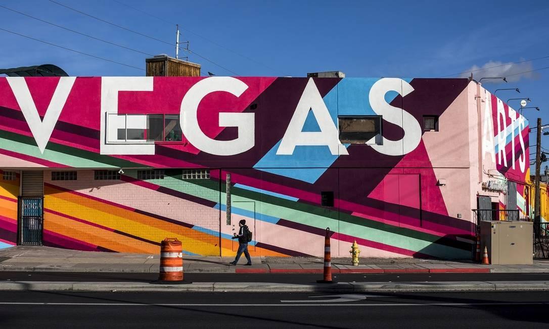 O Arts Factory, que abriga estúdios e pequenas galerias, é o coração do Las Vegas Arts District Foto: Joe Buglewicz / The New York Times