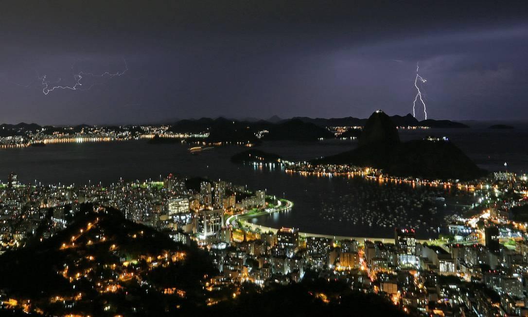 Carnaval deverá ser de chuva no Rio (Arquivo) Foto: Marcio Alves / Agência O Globo