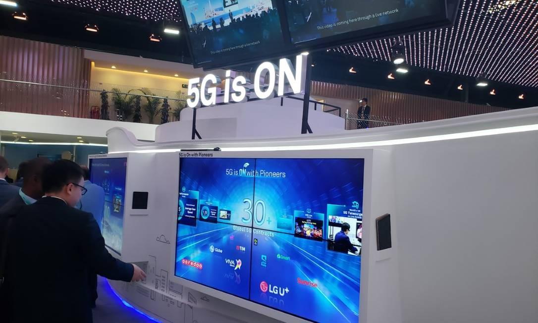 Celulares com tecnologia 5G chegam a mercados europeu, asiático e americano nos próximo meses: América Latina receberá aparelhos com quase um ano de atraso Foto: Bruno Rosa