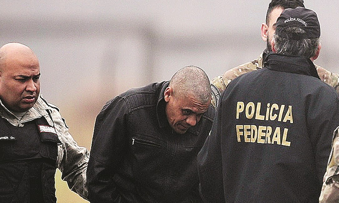 Investigador do caso Adélio acredita que esfaqueador sofre de distúrbio mental Foto: Ricardo Moraes / Agência O Globo