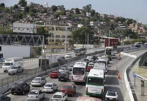 Avenida do Contorno: mais de 322 mil veículos devem passar pela rodovia entre a terça e a quinta-feira da semana que vem Foto: Antonio Scorza / Agência O Globo