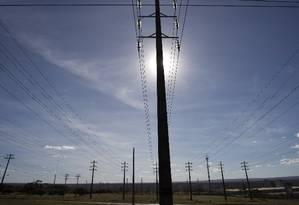 Linhas de transmissão de energia Foto: Michel Filho - Agência O Globo