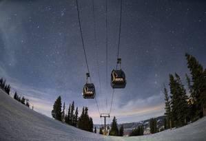 A Silver Queen Gondola sobre pista de esqui em Aspen: temporada de neve vai até 21 de abril Foto: Divulgação
