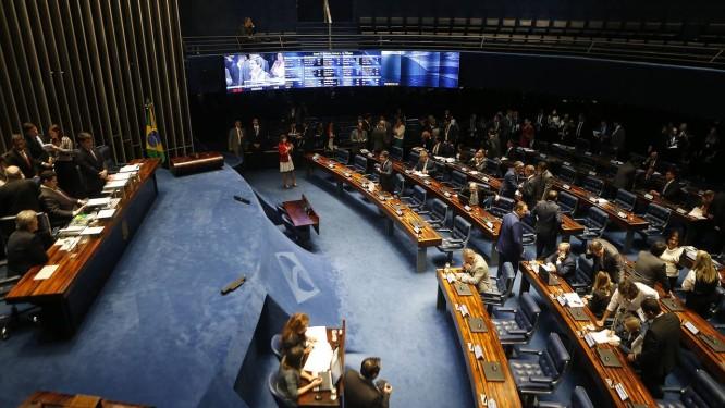 Direito ao benefício foi autorizado neste mês Foto: Jorge William / Agência O Globo