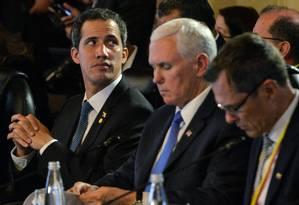 Líder opositor Juan Guaidó participa de reunião do Grupo de Lima, em Bogotá, ao lado do vice-presidente americano, Mike Pence Foto: DIANA SANCHEZ 25-02-2019 / AFP