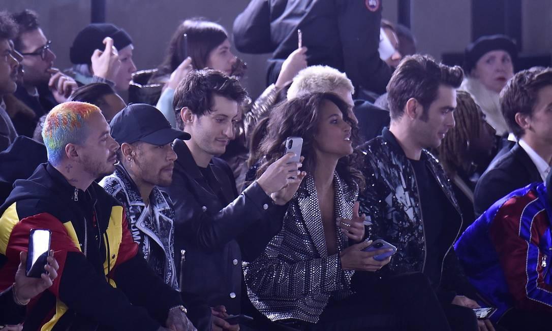 Neymar e Cindy: fila a poderosa da Balmain Foto: Victor VIRGILE / Gamma-Rapho via Getty Images