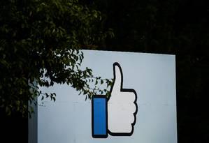 Facebook, Google e Twitter não tomaram providências contra notícias falsas, diz Comissão Europeia Foto: Elijah Nouvelage / REUTERS