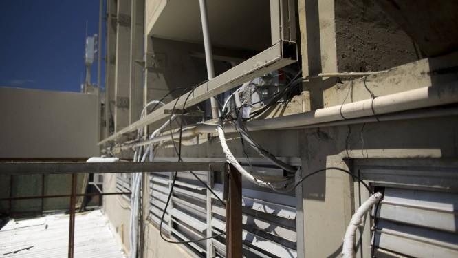 Problemas de estrutura do Sambódromo forma flagrados pelo GLOBO a poucos dias do desfile das escolas de samba Foto: Márcia Foletto / Agência O Globo