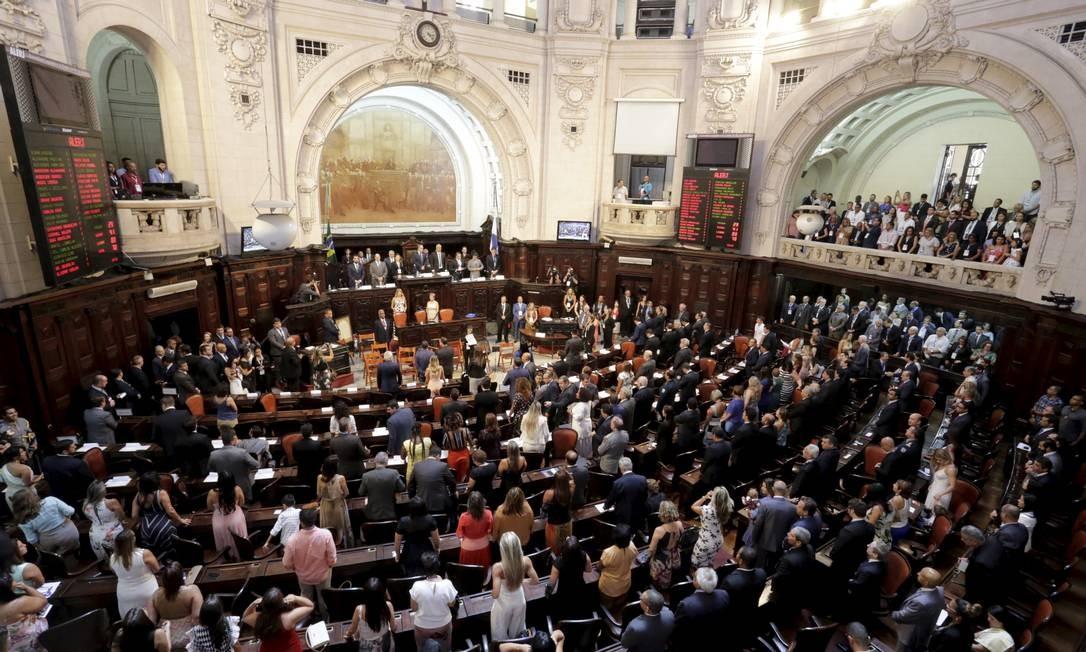 Bancada do PSOL reclama que projeto original foi aprovado com alteração que beneficia seis deputados presos Foto: Marcelo Theobald / Agência O Globo