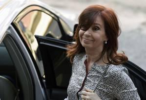 Ex-presidente e senadora Cristina Kirchner deixa tirbunal em Buenos Aires por conta do caso dos