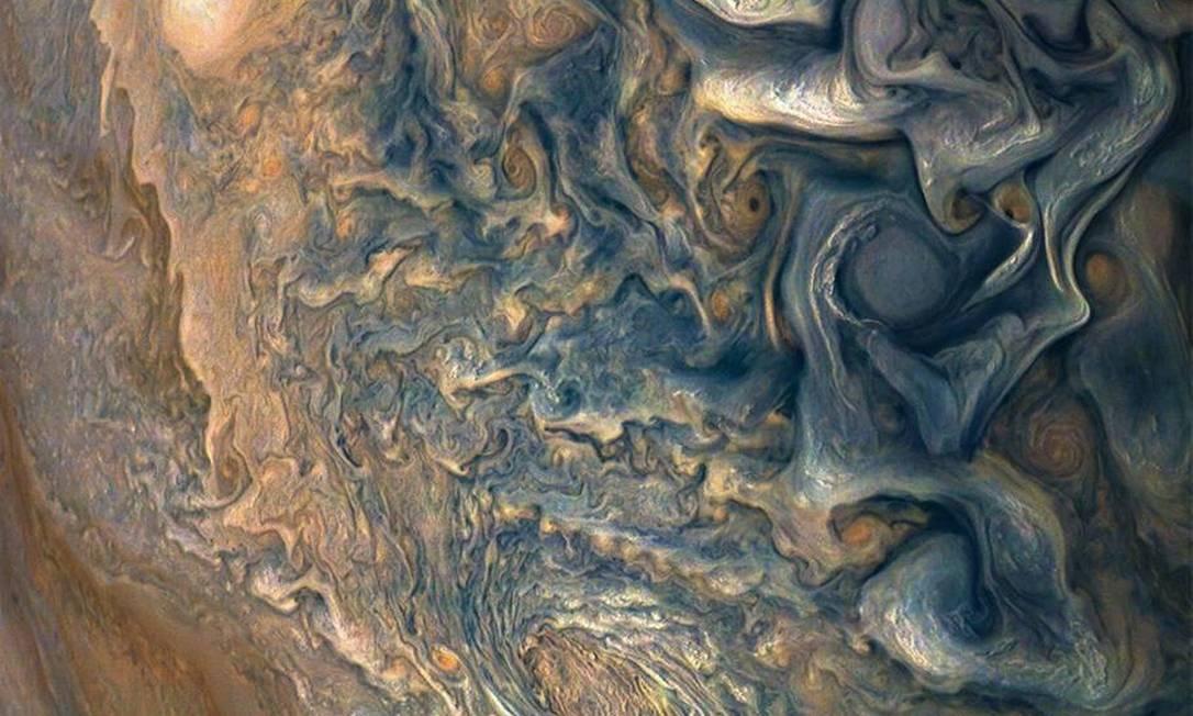 Captura em momento que a espa?onave estava 8,292 milhas acima das nuvens no hemisfério norte de Júpiter Foto: ASA / JPL-Caltech / SwRI / MSSS / Gerald Eichst?d / Seán Doran / NASA