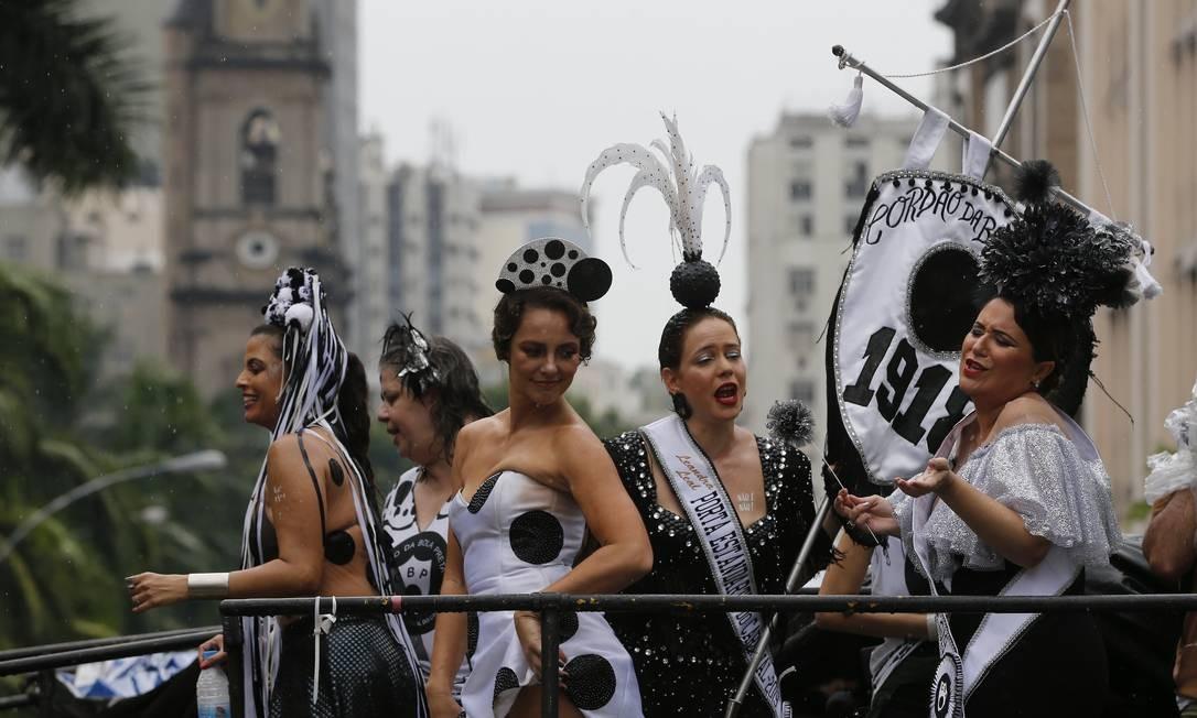 Este foi o primeiro ano da atriz no posto de rainha de um dos blocos mais tradicionais da cidade Foto: Pablo Jacob / Agência O Globo