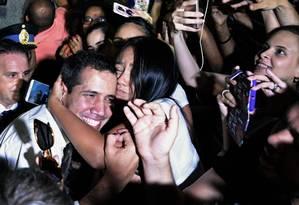 Juan Guaidó se encontra com venezuelanos que vivem em Buenos Aires Foto: JUAN MABROMATA / AFP