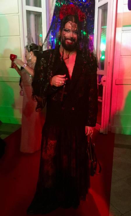 Thomaz Azulay, da The Paradise: renda e rosa vermelha à italiana Foto: Marcia Disitzer