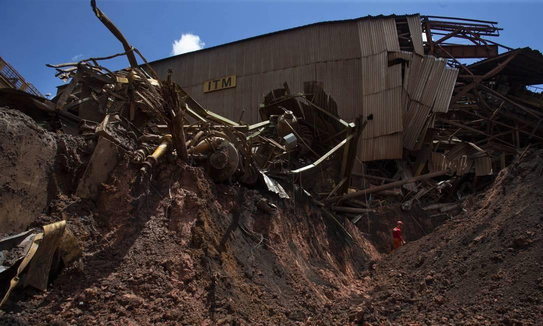 Rompimento da barragem da Vale em Brumadinho deixou rastro de destruição há pouco mais de um mês; na foto, o que sobrou da primeira estrutura da mineradora a ser atingida Foto: Alexandre Cassiano / Agência O Globo