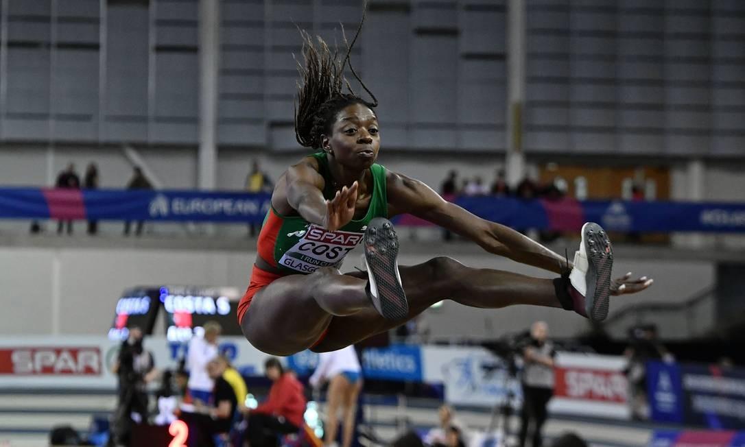 Susana Costa, de Portugal, compete na final do salto triplo feminino no Campeonato Europeu de Atletismo de 2019 em Glasgow Foto: ANDY BUCHANAN / AFP
