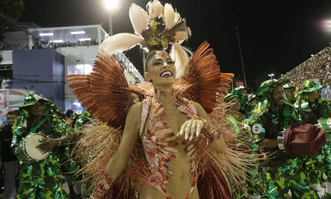 A Rainha de Bateria Juliana Paes foi um dos destaques da escola Foto: Márcio Alves / Agência O Globo