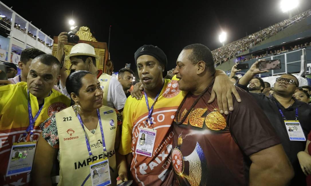 Ronaldinho Gaúcho prestigiou o desfile do Salgueiro Foto: Márcio Alves / Márcio Alves