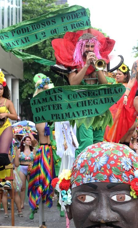 O Vem Ca Minha Flor deixou sua mensagem nesta segunda-feira Foto: Guilherme Pinto / Guilherme Pinto