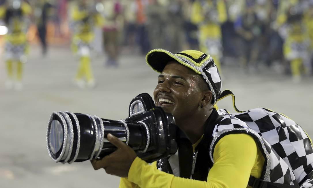 Ala dos paparazzis foi um dos destaques da São Clemente Foto: GABRIEL DE PAIVA / Agência O Globo