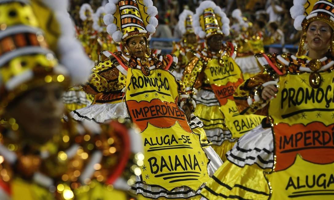 """Escola também fez críticas à """"capitalização"""" da ala das Baianas; São Clemente denuncia """"pregões"""" por lugar no desfile Foto: Pablo Jacob / Agência O Globo"""