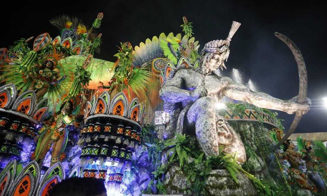 O 'Paraíso coroado', uma homenagem à Região Serrana Foto: Domingos Peixoto / Agência O Globo