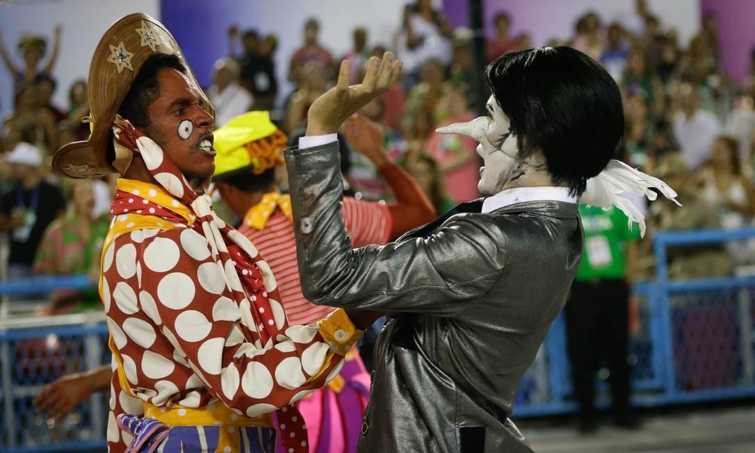 """Na comissão de frente, engravatados """"poderosos"""" sabotavam poder do povo Foto: Antonio Scorza / Agência O Globo"""