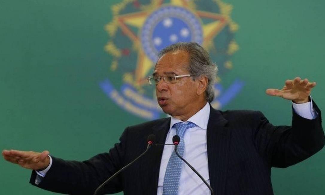 Ministro da Economia, Paulo Guedes, tem 24 horas para se manifestar a respeito do pagamento de bônus Foto: Jorge William / Agência O Globo