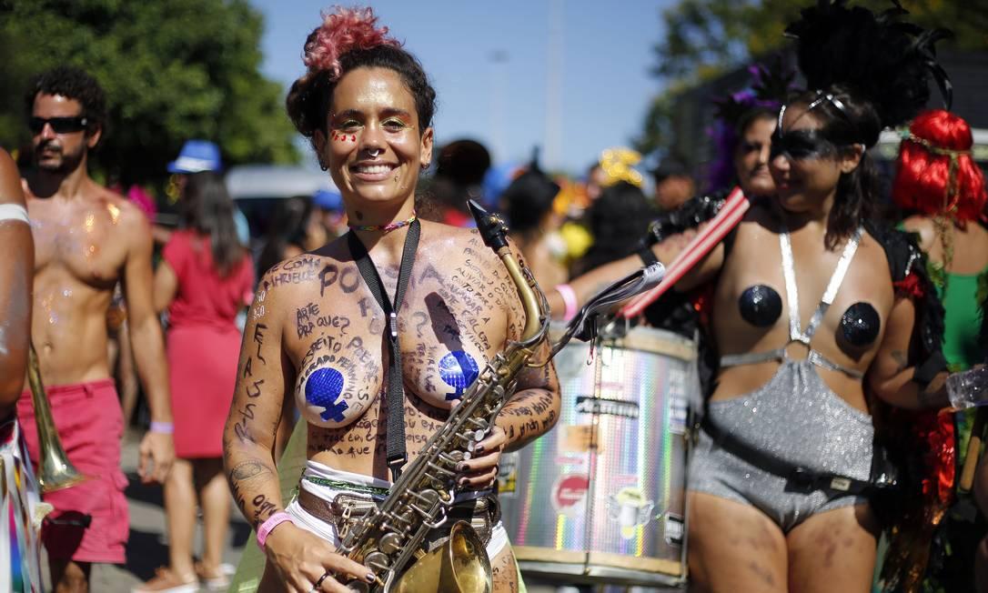 Música no desfile da Orquestra Voadora de 2019 Foto: MARCOS DE PAULA / Agência O Globo