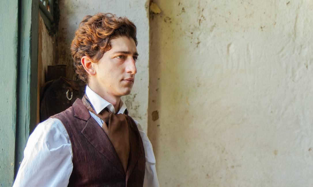Em 'Prisioneiro da liberdade', Johnny Massaro faz o papel de um jovem advogado que ajuda Luiz Gama a ler e a estudar direito Foto: Pedro Iglesias/ Divulgação