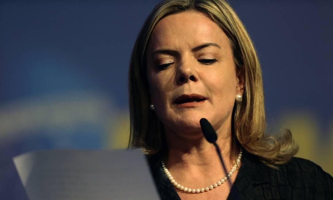 Troca de comando. Corrente majoritária CNB quer Haddad no lugar de Gleisi Foto: Jorge William / Agência O Globo
