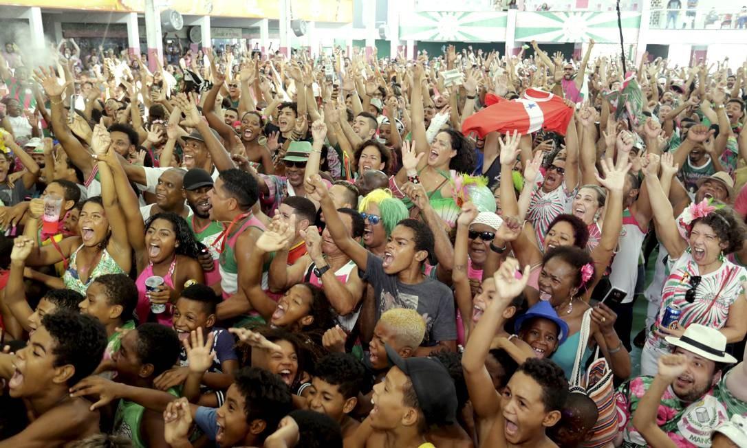 Apuração do desfile das escolas de samba do grupo . - G.R.E.S Estação Primeira de Mangueira. Foto: MARCELO THEOBALD / Agência O Globo