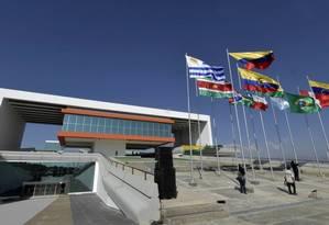 Sede da Unasul, em Quito: organismo está paralisado Foto: Agência O Globo