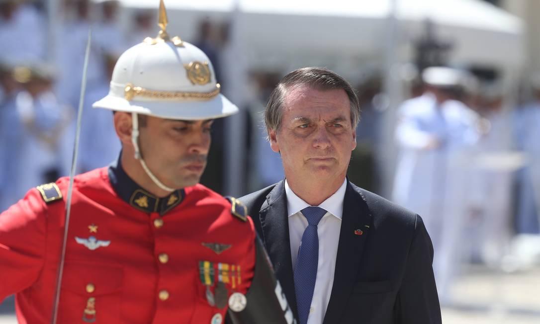 Presidente Jair Bolsonaro na cerimônia de 211 anos do Corpo de Fuzileiros Navais na Praça Mauá, no Rio Foto: Pedro Teixeira / Agência O Globo