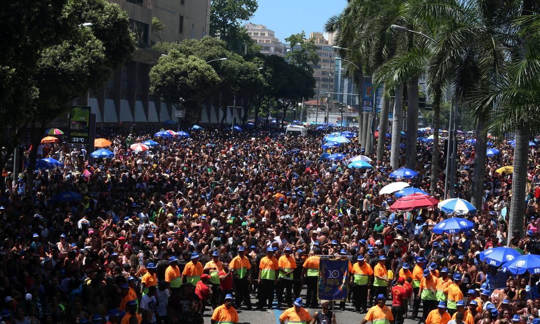Confira interdições Foto: Fabiano Rocha / Agência O Globo