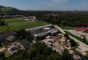 Em obras, local do incêndio no Ninho do Urubu será estacionamento Foto: Brenno Carvalho