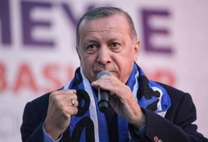 Presidente turco, Recep Tayyip Erdogan, durante comício em Istambul Foto: OZAN KOSE / AFP