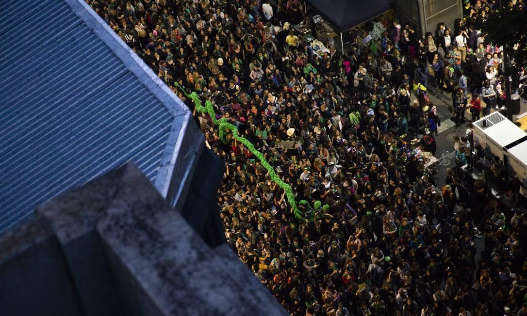 Dezenas de milhares de mulheres argentinas participaram de protestos pelo dia 8 de março em Buenos Aires. Ao longo da Avenida de Maio, entre o Congresso e a Casa Rosada, elas reivindicaram direitos e igualdade Foto: Matías Baglietto / NurPhoto via Getty Images
