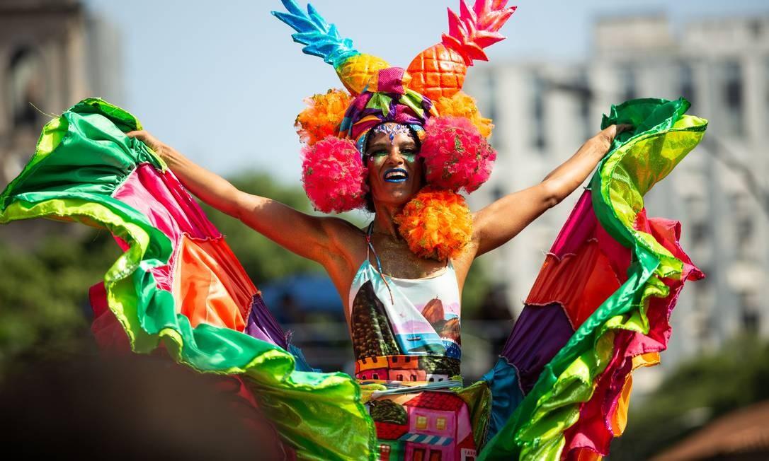 Pernalta leva cor ao desfile do Monobloco de 2019 Foto: Brenno Carvalho / Agência O Globo