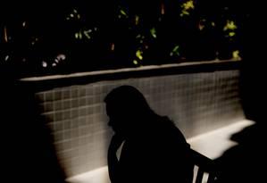 Professora em tratamento devido a transtornos psicológicos: no ano passado, 8% dos docentes da rede municipal de ensino entraram de licença por problema semelhante Foto: Márcia Foletto / Agência O Globo