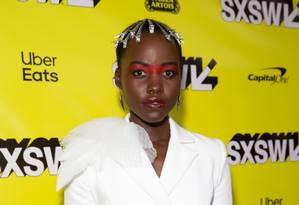 O penteado usado por Lupita em festival em Austin Foto: SUZANNE CORDEIRO / AFP