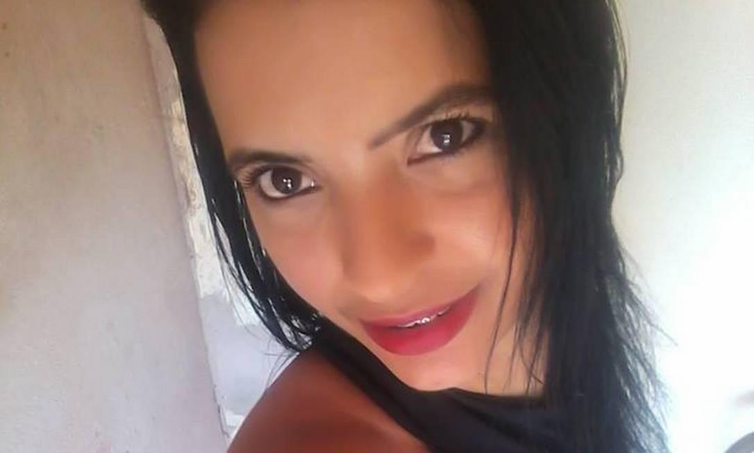 Carla Sampaio, de 36 anos, foi morta pelo namorado Foto: Facebook/Reprodução
